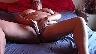 Fat Mature Shaves Her Soaking Wet Pussy