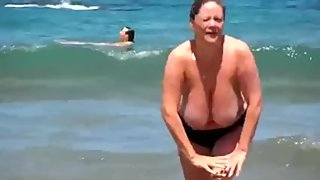 Huge Tits Mature at Nude Beach