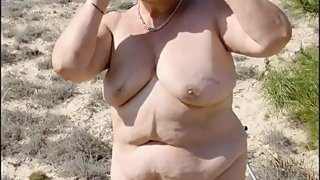 Grandma Dogging on the Beach Fucked by Young Guy