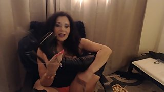 MATURE MOM smokes and makes you her footbitch