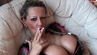 Eve Deluxe - Smoking Fisting