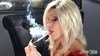 Nikki Ashton - SFW - Blonde MILF Goddess Chain Smoking More & Saratoga 120
