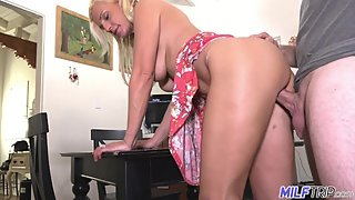 MILFTRIP Cougar Hunter Finds MILF Who Wants To Party