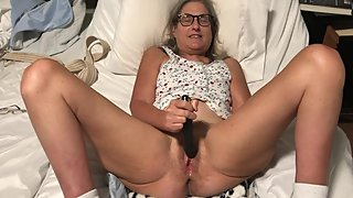 Granny milf Mature Orgasm Black Rabbit Gilf pussy spread wide