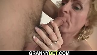 Picked up blonde woman gets her pussy licked and fucked