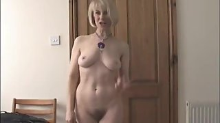 British Liverpool mom Vivien Goodman naked in her kitchen