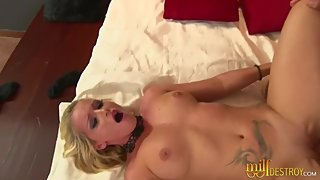 Horny Blonde Milf With Big Tits Enjoys Anal Sex