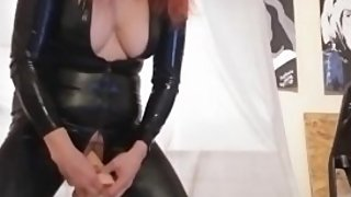 milf scarlett in latex pussy play and squirt