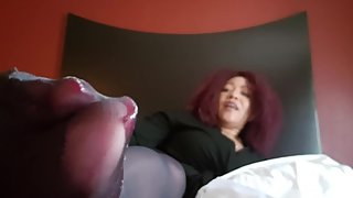 Black Mature Shows Nylon Feet