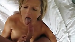 Sexy mom gets facial from curved dick