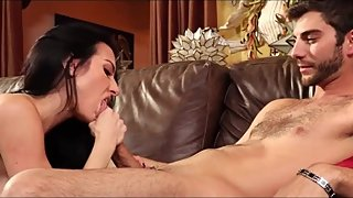 Mature whore bitch stretched by her guy