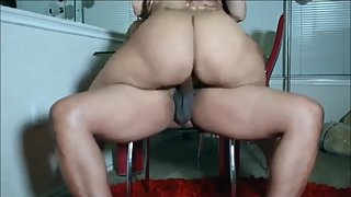 Huge Ass Twerks for Creampie