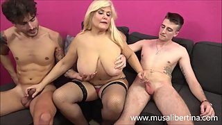 Porn Casting - Threesome - MILF with 2 young candidates