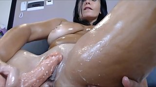 OIl creamy orgasm mature brunette