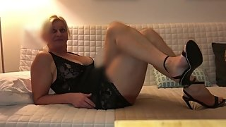 Mature Blonde Milf Fucks Her Black Dick B4 Swingers Club Weekend