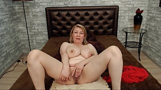 Mature Mommy Milf with Big Saggy Boobs and Mom Body Masturbates Loose Pussy