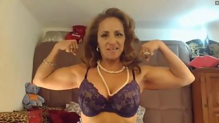 Miss Classy Diane flexes on streamate