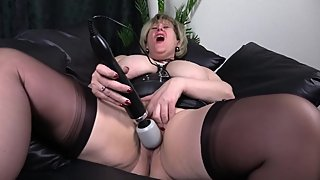 My willing pussy gets the magic wand treatment