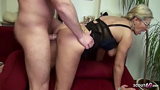 Desperate Housewife seduce young repairman to Fuck her German