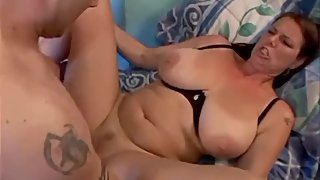 curvy stepmom seduces stepson for a good bang